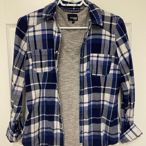 Garage Flannel + Aritzia Wilfred Free T-Shirt